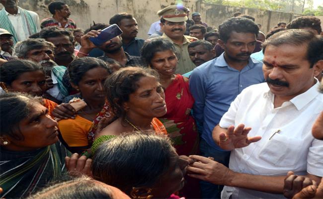 MLA Vinay Bhasker Sad Manasa Murder Issue IN Warangal - Sakshi