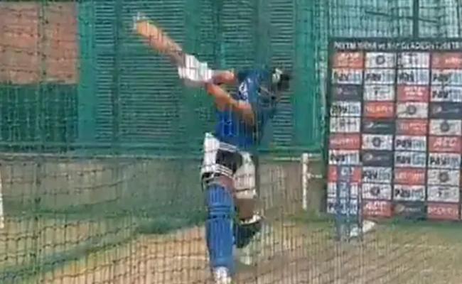 Shivam Dube Next Yuvraj Singh Fans React To BCCI - Sakshi