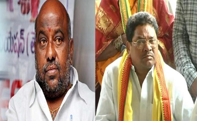 Cold War Between Jogu Ramanna And Soyam Bapurao In Adilabad - Sakshi