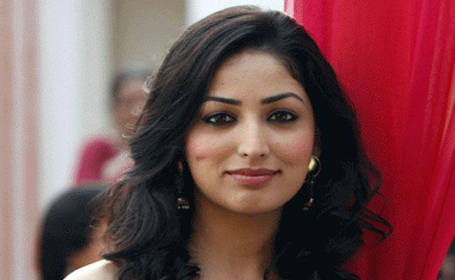 Yami Gautam Likes To Celebrate Diwali - Sakshi