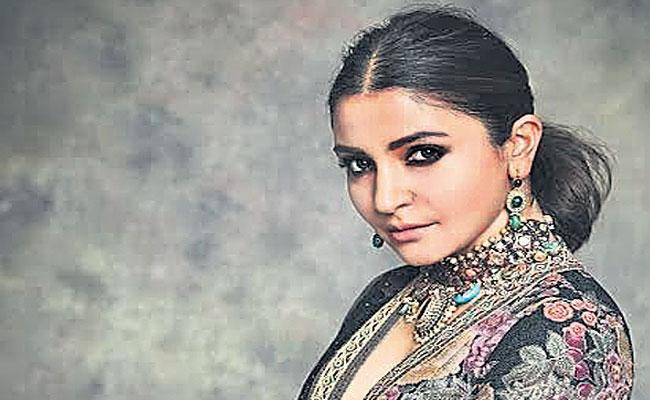 Anushka Sharma Selects Specialist For Hair Styles - Sakshi