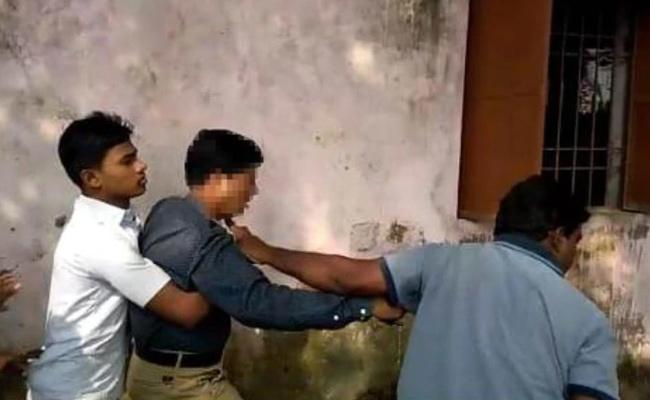 Students Thrash Principal Over Illicit Affair Women Employee - Sakshi