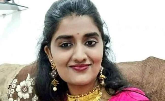 Priyanka Murder Case: Relatives And Netizens Alleges Police Negligence - Sakshi