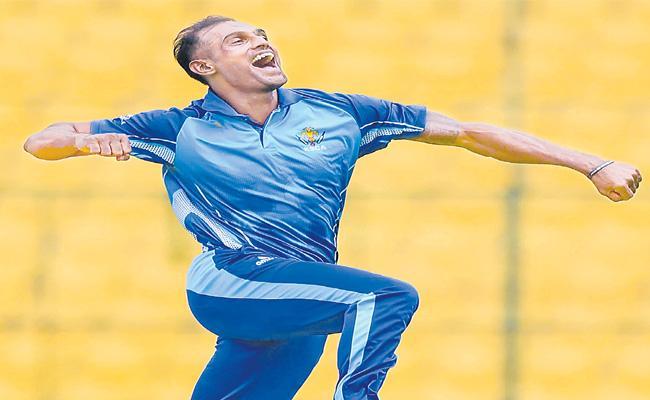 Karnataka Reached Finals In Mushtaq Ali T20 Tournament - Sakshi