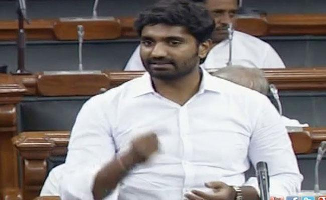 MP Margani Bharat Ram Questioned Central Minister Hardeep Singh Puri In Lokh Sabha - Sakshi