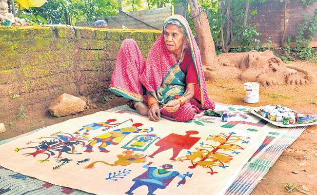 Paintings By 80 Year Old Tribal Woman From Madhya Pradesh  - Sakshi