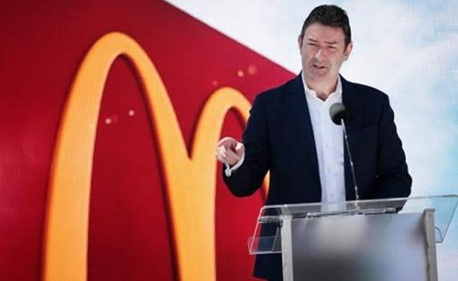 McDonalds CEO Out After Consensual Relationship - Sakshi