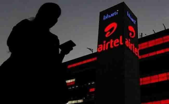 Airtel prepaid users to get Rs 4 lakh life cover under Rs 599 plan - Sakshi
