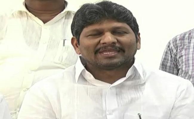 AP Revenue Service Association Wants Telangana Government To Support MRO Vijaya Reddy Family - Sakshi