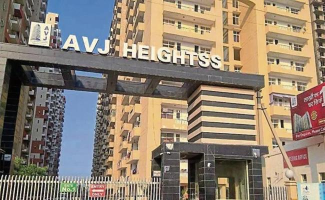 Woman Killed And Pushed Off 18th Floor In Noida - Sakshi