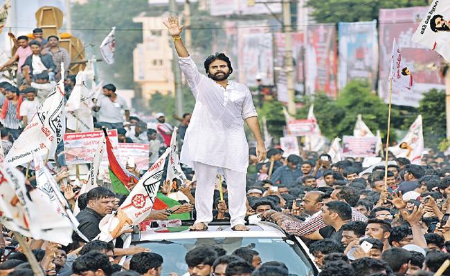 Pawan Kalyan  comments on government about sand issue - Sakshi