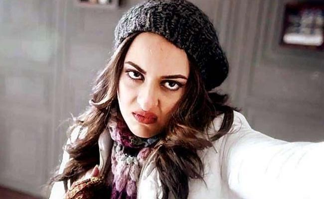Sonakshi Sinha Fires on IndiGo for damaging her bag  - Sakshi