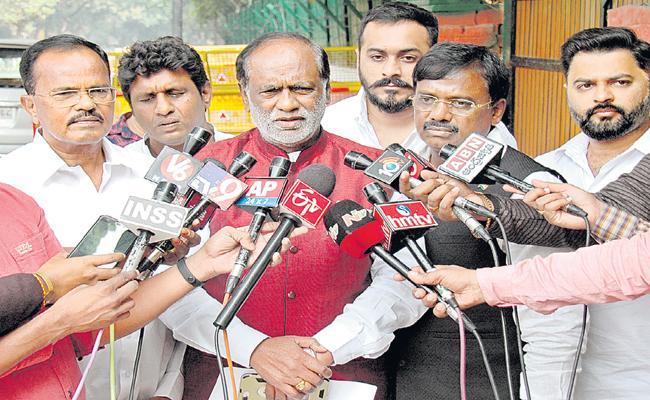 Motkupalli Narasimhulu into BJP - Sakshi