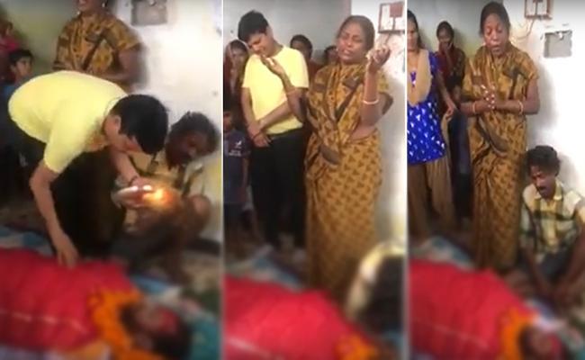 Chhattisgarh Mother Sing A Song At Son Funeral - Sakshi