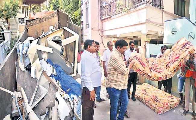 GHMC Collecting Wastage From Hyderabad People - Sakshi