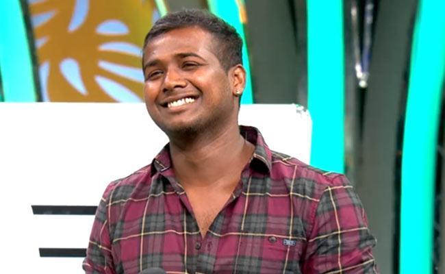 Bigg Boss 3 Telugu Winner: Rahul Sipligunj First Live Video - Sakshi
