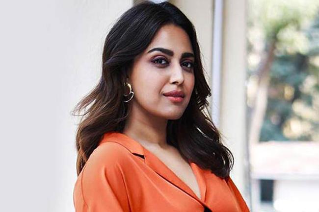 Swara Bhaskar Gets Trolled For Abusing A Child - Sakshi