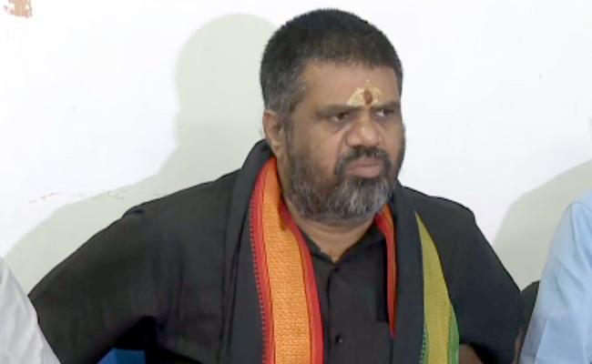 Tourism Minister Avanthi Srinivas to Pay Compensation to Agrigold Victims on Thursday - Sakshi