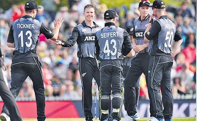 New Zealand Won Third T20 Against England - Sakshi