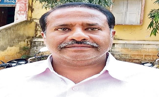 Mohammed Nagar Panchayat Secretary Suspended In Medak District - Sakshi