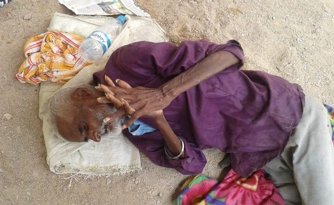 Elderly Man Thrown Out Of House By Own Wife In Sircilla - Sakshi