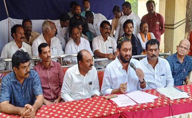 MLA Prasanna Kumar Reddy Fires On Chandrababu's Sand Protest - Sakshi