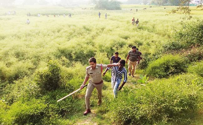 Drunken Friends Attacked Couple in Chittoor - Sakshi