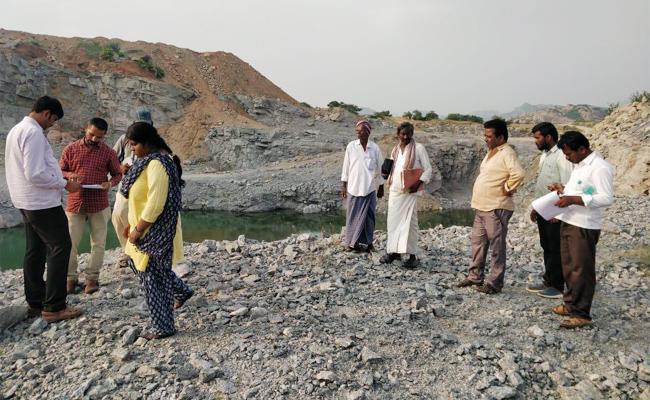 Raids On Ananthapur MLC Quarries For Digging Beyond Borders - Sakshi