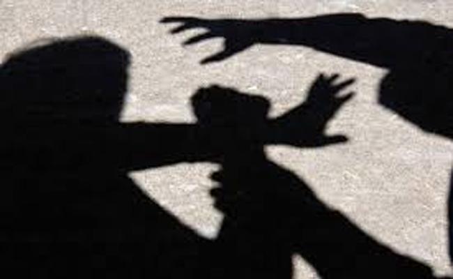 A Man From Guntur Who Molestation On A girl - Sakshi