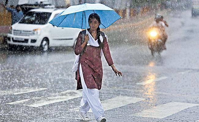 Today, Tomorrow Will Be Mild To Moderate Rains In Telangana - Sakshi