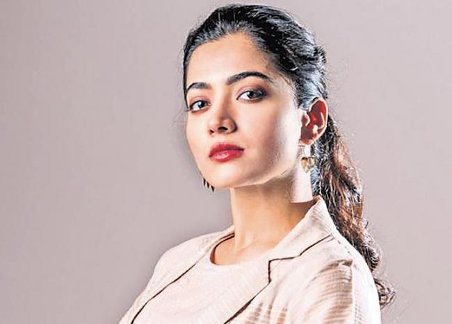 Rashmika Mandanna lashes out at a social media troll - Sakshi