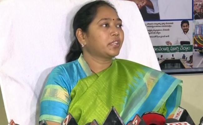 Minister Sucharita Comments On Chandrababu - Sakshi