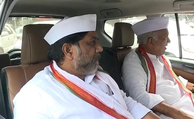 Telangana Congress Leaders Meet Governor Tamilisai Soundararajan - Sakshi