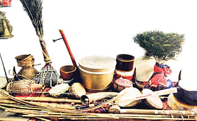Folk Instruments Of Telangana To Be Display At Madhapur Arts Gallery - Sakshi
