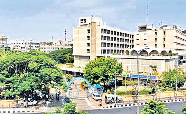 Trade License Fees Stops GHMC - Sakshi