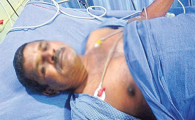 RTC Driver Driver Dies Of Heart Attack In Warangal - Sakshi