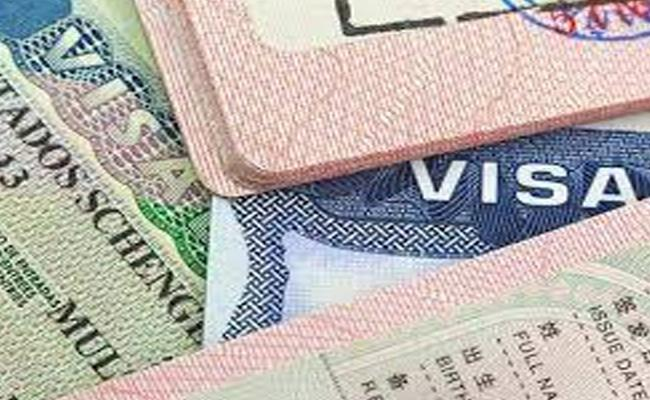 Fake Visas Given By Rajasthan Maksud To 30 People In Telangana - Sakshi