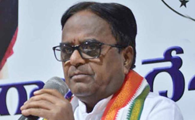 Congress Leader Ponnala Lakshmaiah Fires On CM KCR - Sakshi