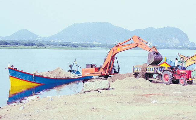 Supply of 2 lakh tonnes Sand per day - Sakshi
