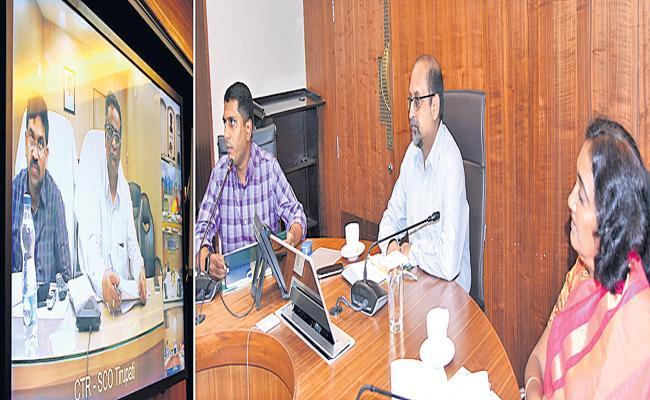 25 Lakh House Land Pattas To Be Distributed On Ugadi - Sakshi