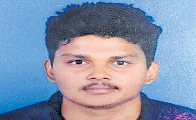 Engineering Student Commits Suicide At Hyderabad - Sakshi