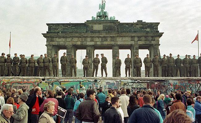 The Fall of the Berlin Wall 9 November 1989 - Sakshi