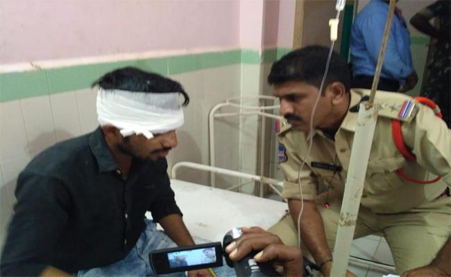 Man Attacks Lover New Boyfriend With Knife In Miryalaguda - Sakshi