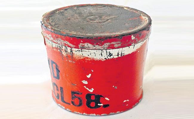 Paint Box Blast in Meerpet Hyderabad - Sakshi