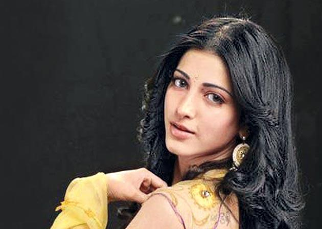 Shruti Haasan to lend her voice for Tamil version of Frozen 2 - Sakshi