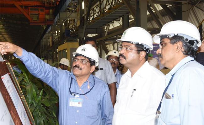 Union Minister Dharmendra Pradhan Visited Visakha Steel Plant - Sakshi