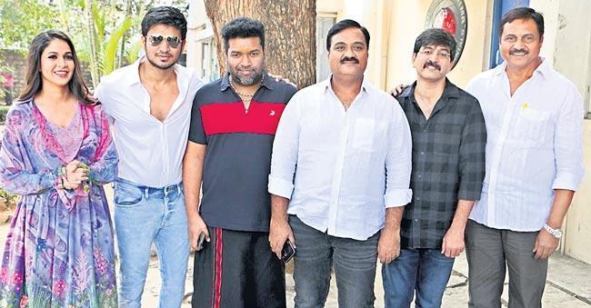 nikhil speech about arjun suravaram movie review - Sakshi