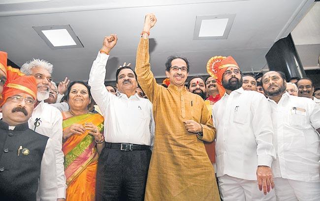 Uddhav Thackeray-led govt wins floor test in Maharashtra Assembly - Sakshi
