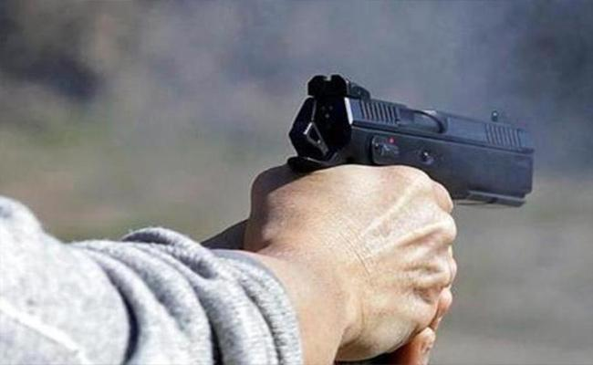Army Jawan Commits Suicide After Shooting Wife And Sister in law In Patna - Sakshi