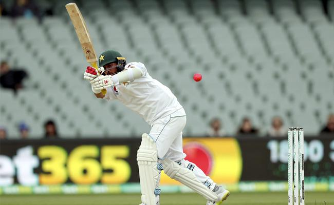Pakistan Bowled Out For 302 Against Australia - Sakshi